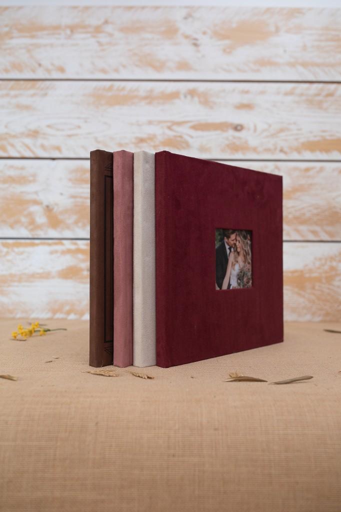 Álbum en una pieza con ventana fotográfica en Nobuck Burgundy